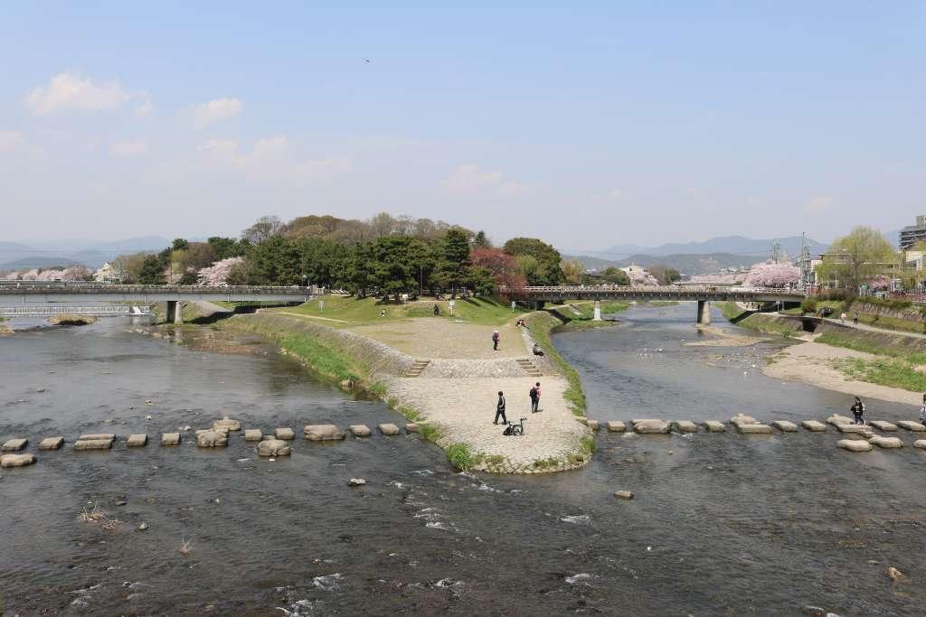 京都での旅の疲れを癒すなら高野川と賀茂川の合流スポットで一息を