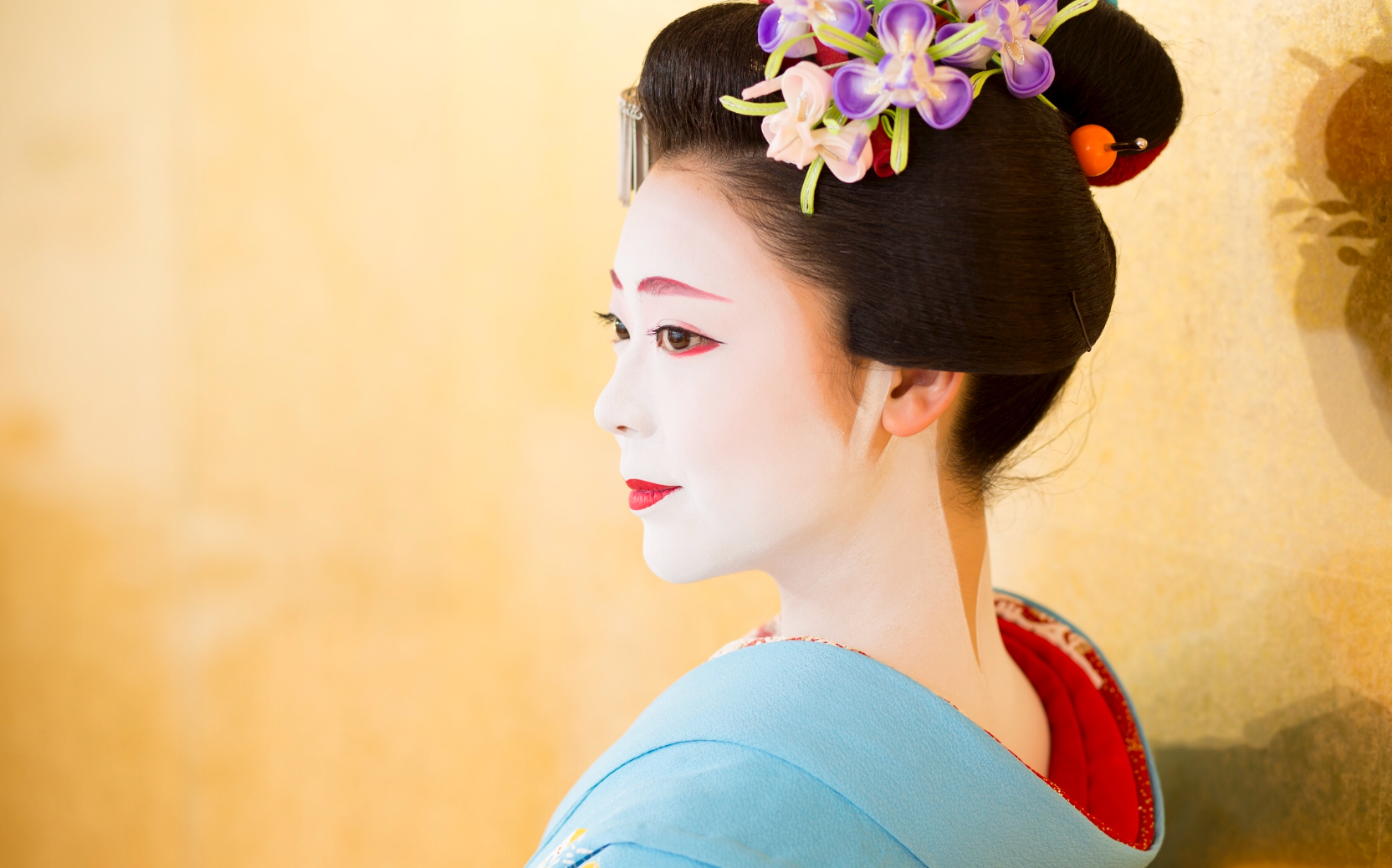 Maiko Theatre: Get up close with beautiful Maiko!