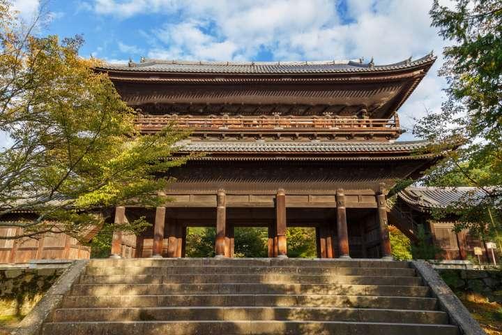 絶景かな、絶景かな。三門からの開放的な京の眺望「大本山 南禅寺」