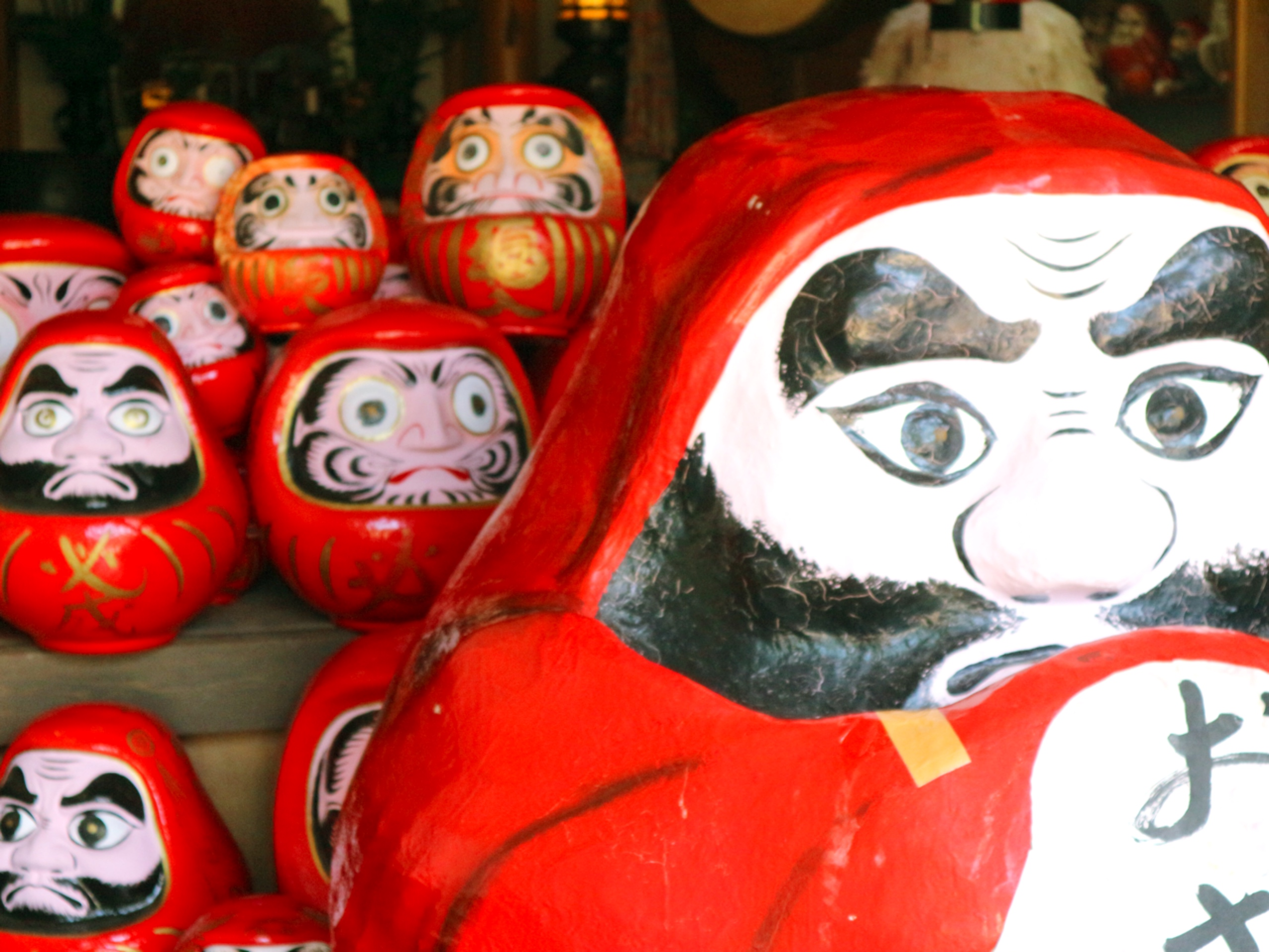 "Around 8000 Daruma dolls gathering at the gentle and friendly Daruma temple ""Horin-ji"""