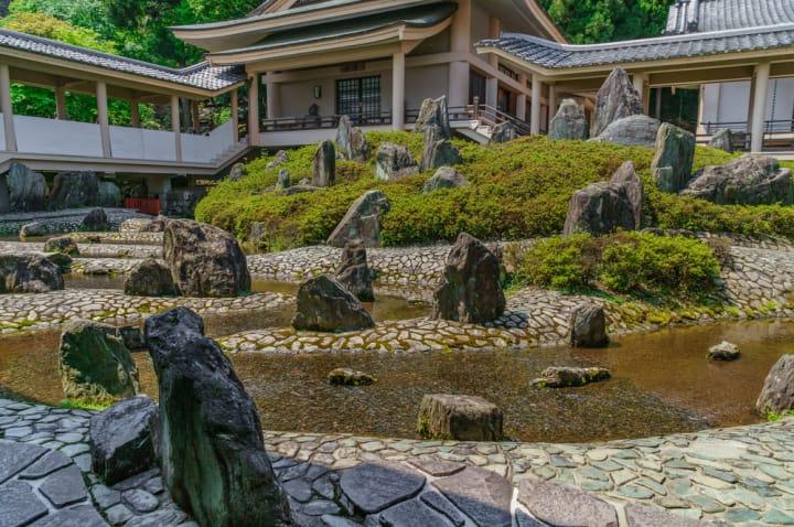 創意に富んだ庭園