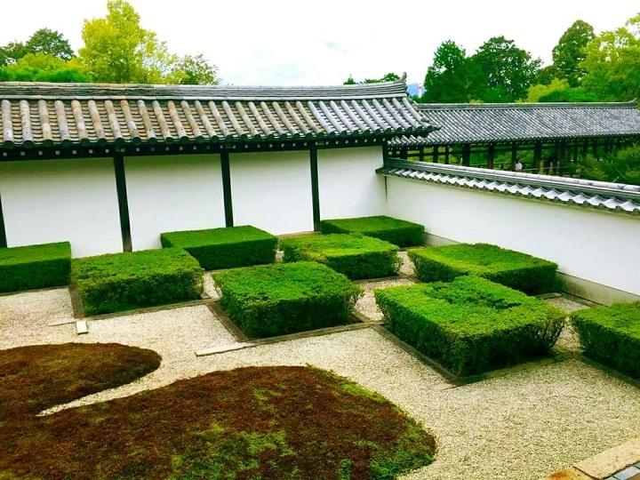 西庭の大市松模様・井田の庭
