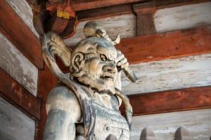 金剛力士像が守る荘厳なお寺。「仁和寺」