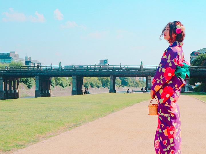 着物で京都、街歩き「京乃都」