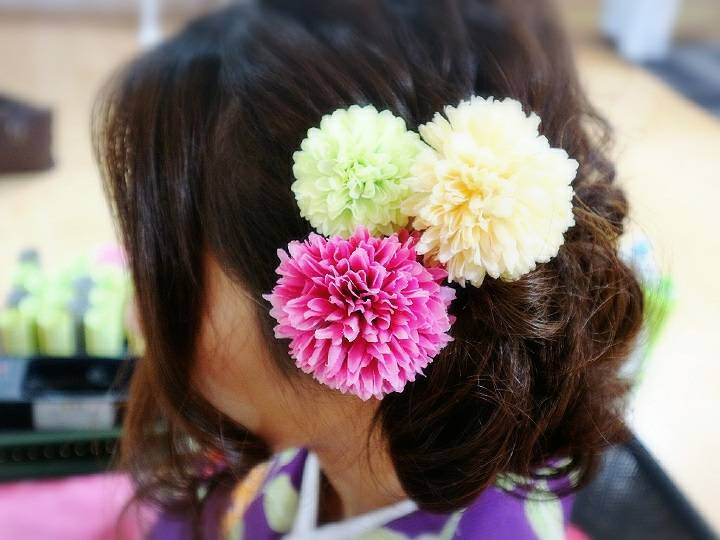The wide selection of hair accessories varying in sizes and shapes and numbers
