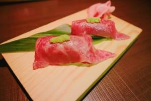 享受熟成牛排到帶來的濃郁香氣「熟成燒肉 聽 京都站前店」