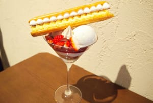 Enjoy the beautiful and elegant parfait at SUGiTORA
