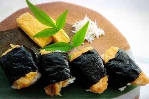 保留传统风味的创新风味。舞妓也非常喜爱的京都风味做法的天妇罗虾饭团「喜多」