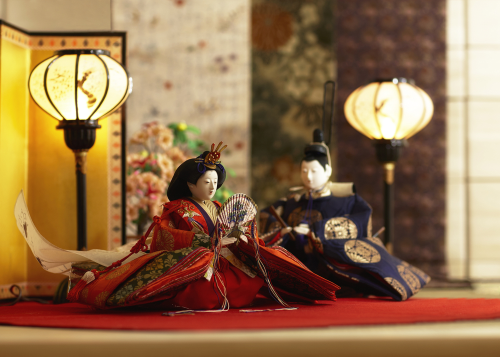 Entrusting one's thoughts with the Hina doll