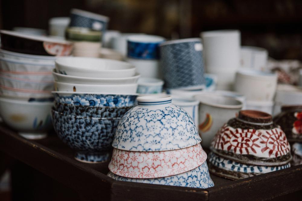 Making Kiyomizuyaki Pottery