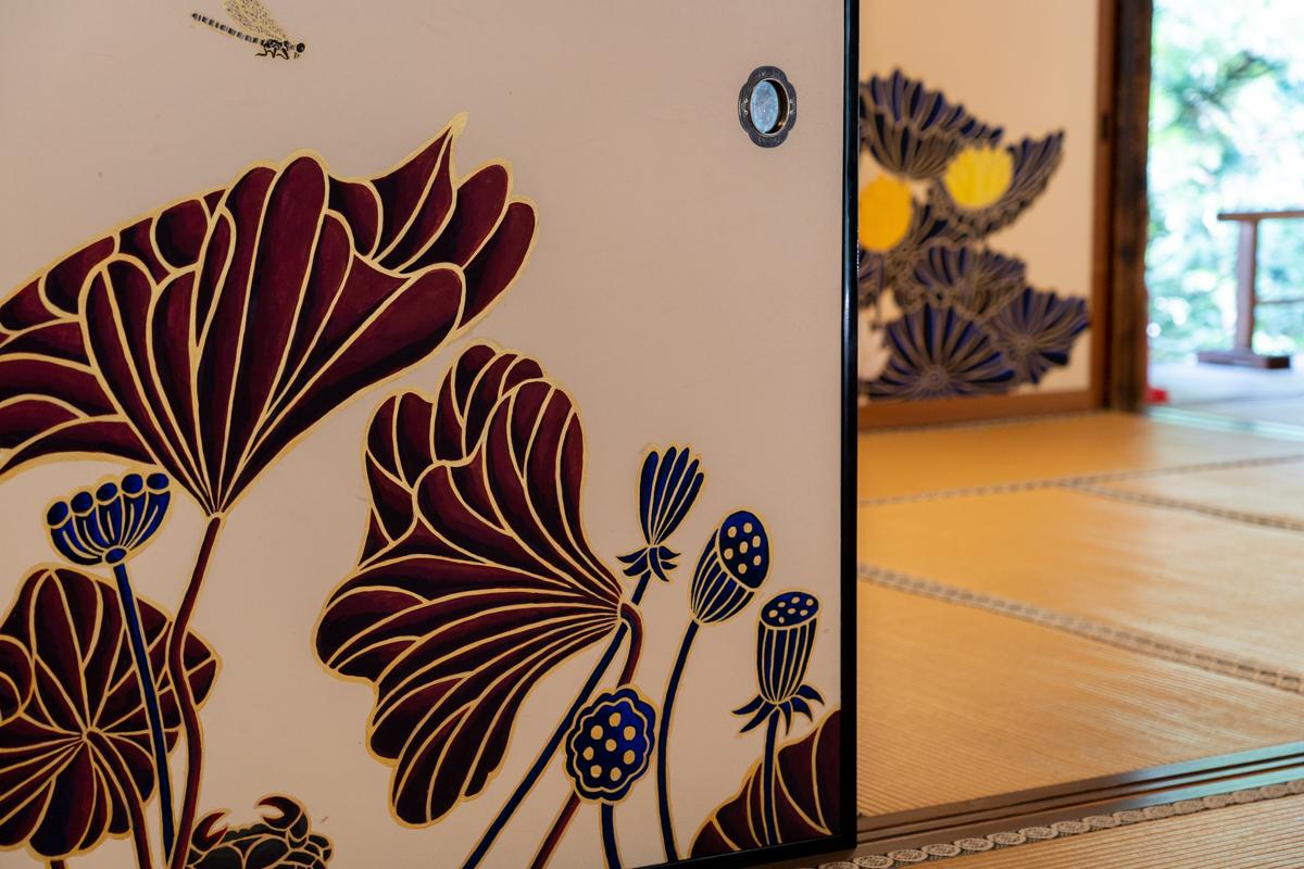 裝飾房間的隔扇畫