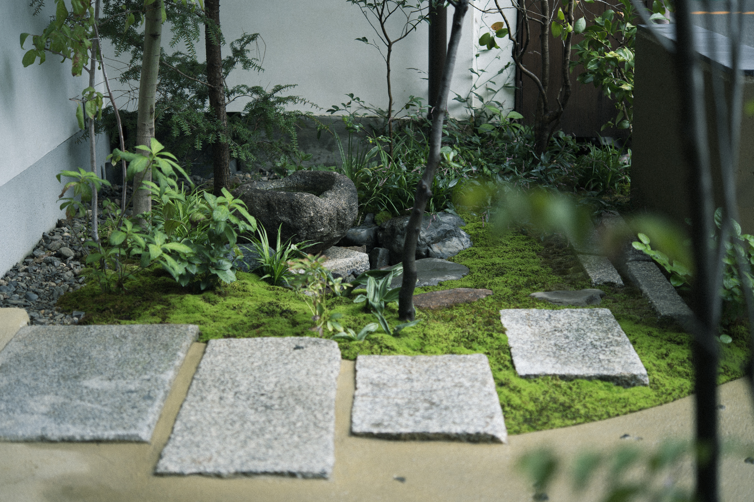 A front garden where you can feel the Kyoto seasons