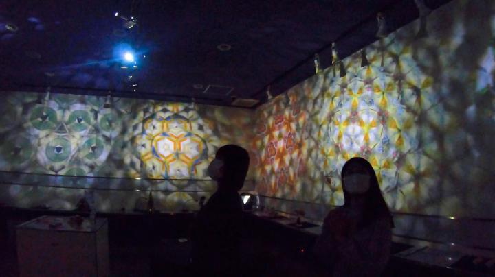 1時間に1回のお楽しみ「投影式万華鏡」